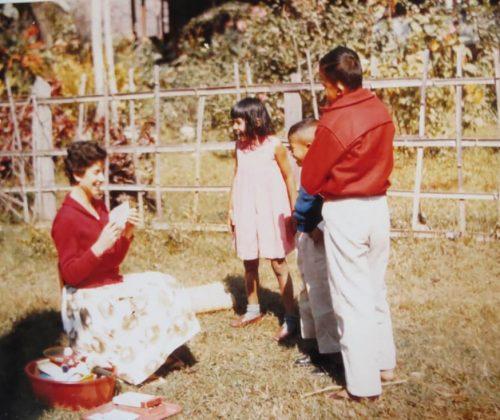 Sandra teaching Pupils